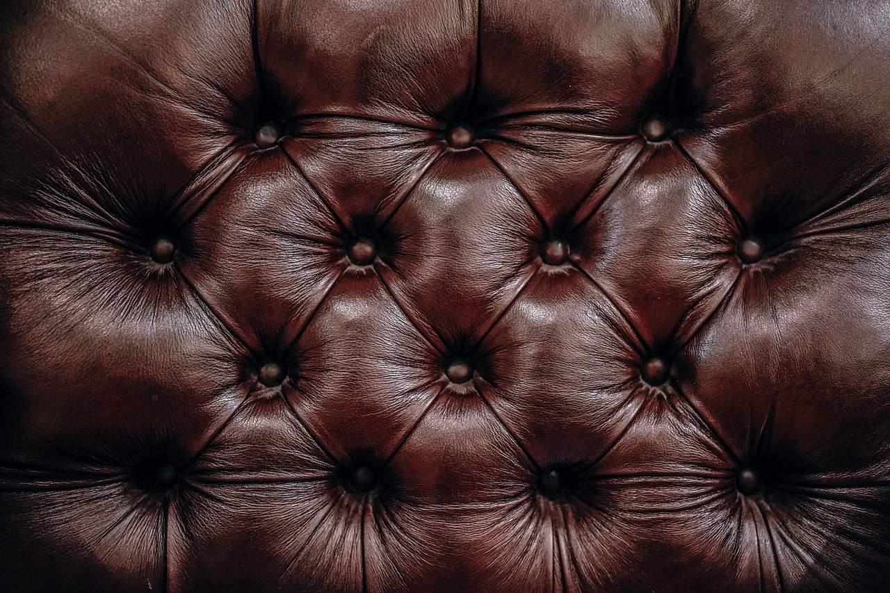 Canapé en cuir molletonné
