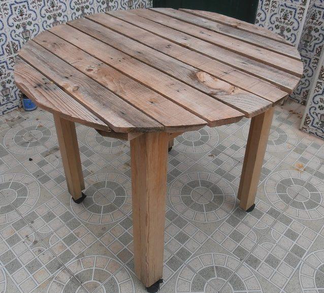 Table ronde en bois de palette